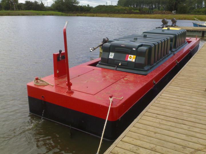 Fuel barge & pontoon installations…   Pillings Lock Marina